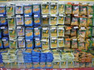 マニラのスーパーマーケットにてドライマンゴー